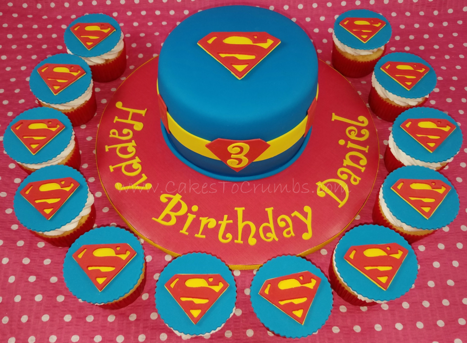 superman-cake-and-cupcakes
